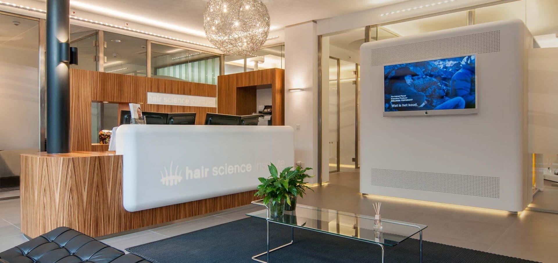 Desk HSI Maastricht with TV